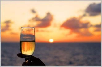 San Diego Sunset Yacht Cruise with Included Champagne